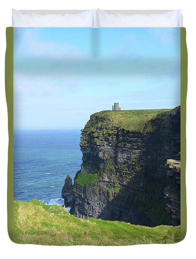 O'brien's-tower Duvet Cover featuring the photograph Scenic Lush Green Grass And Sea Cliffs Of Ireland by DejaVu Designs
