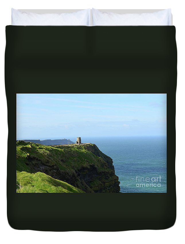 O'brien's-tower Duvet Cover featuring the photograph Scenic O'brien's Tower A Top The Cliff's Of Moher In Ireland by DejaVu Designs