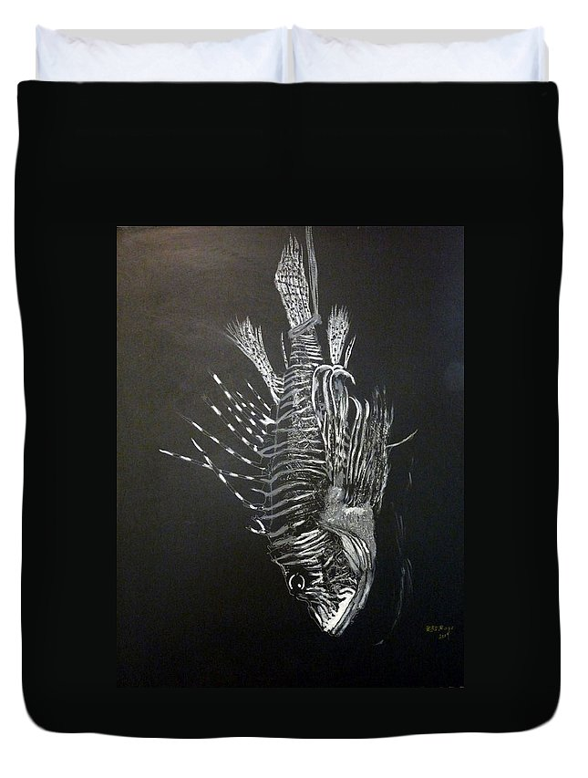Scorpion Fish Duvet Cover featuring the painting Scorpion Fish by Richard Le Page