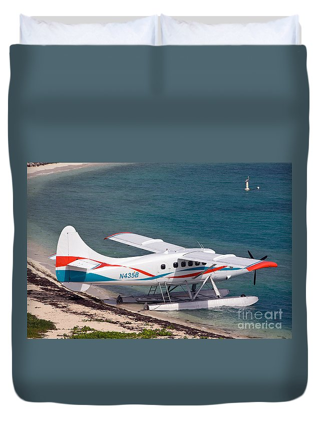 Dry Tortugas National Park Duvet Cover featuring the photograph Sea Plane At Dry Tortugas National Park by Jason O Watson