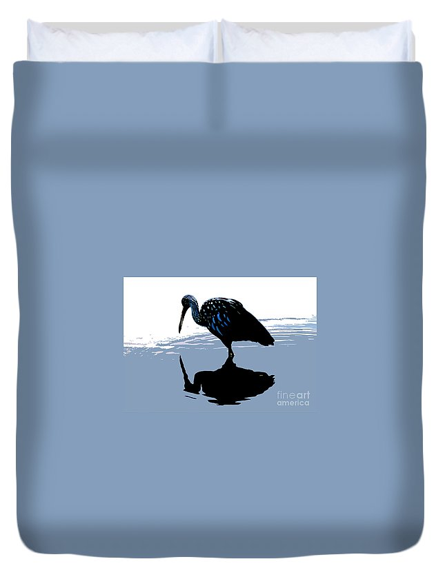 Limp Kin Duvet Cover featuring the photograph Searching by David Lee Thompson