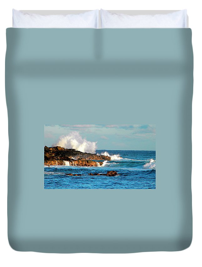 Frank Wilson Duvet Cover featuring the photograph Seascape by Frank Wilson