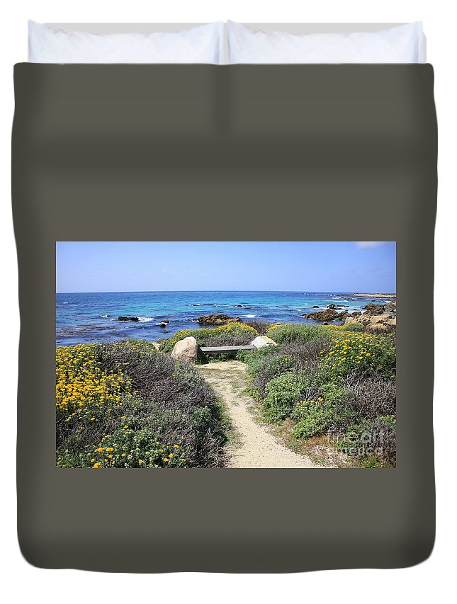 Landscape Duvet Cover featuring the photograph Seaside Bench by Carol Groenen