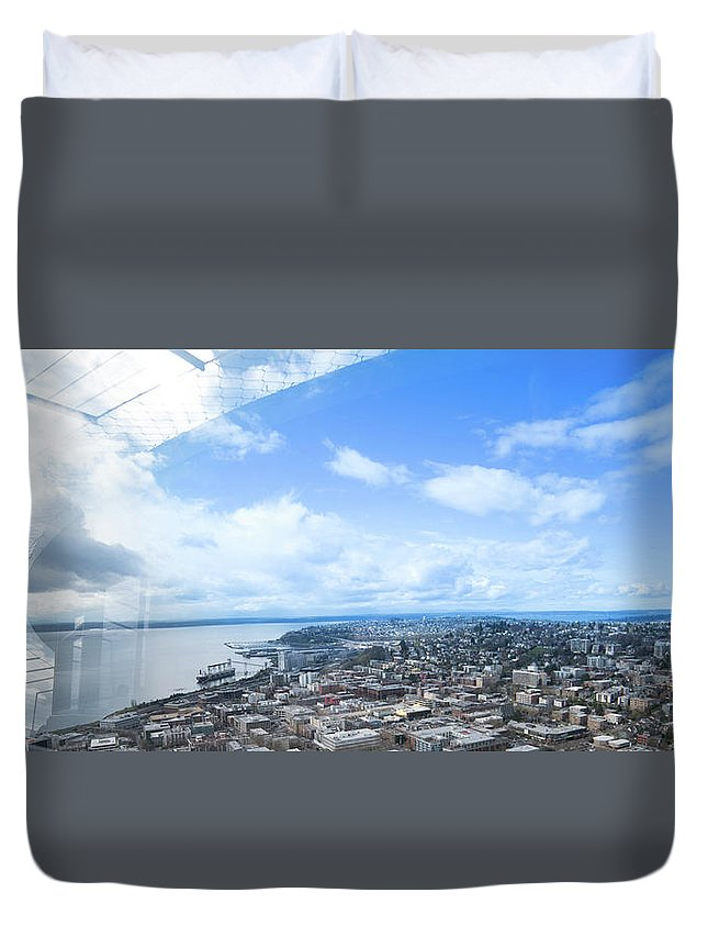 Duvet Cover featuring the photograph Seattle by Jade Woods