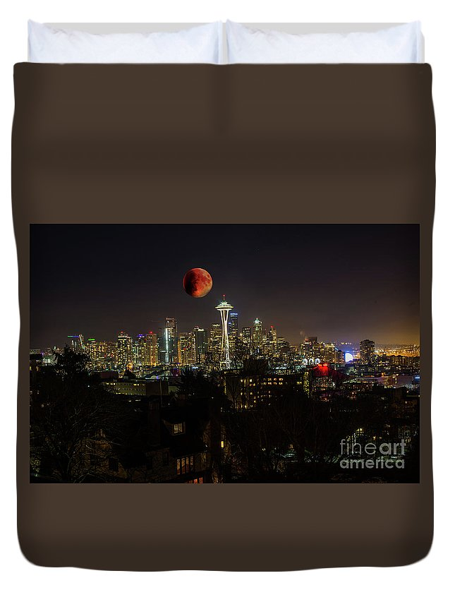 Blood Moon Duvet Cover featuring the photograph Seattle by Jim Hatch