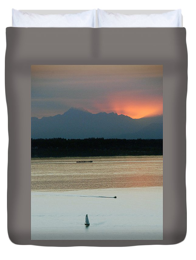 Sunset Duvet Cover featuring the photograph Seattle Shilshole Bay Sunset by Carol Eliassen