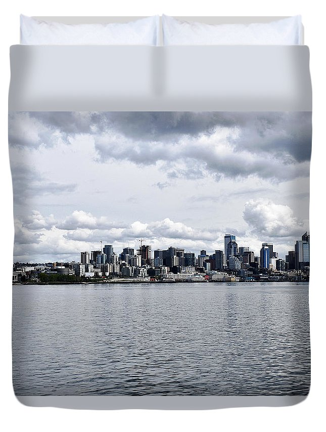 Seattle Skyline Space Needle Washington Duvet Cover featuring the photograph Seattle Skyline by Howard Thompson