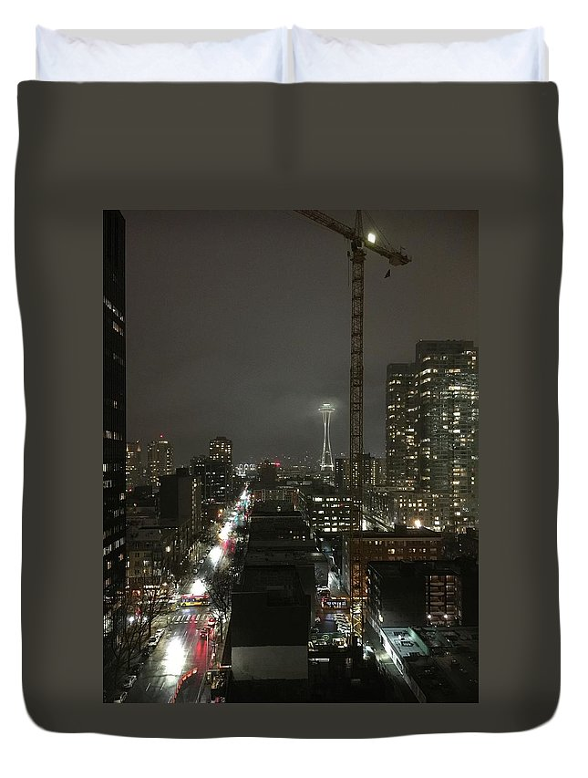 Seattle Duvet Cover featuring the photograph Seattle Skyline by Kat Cortez