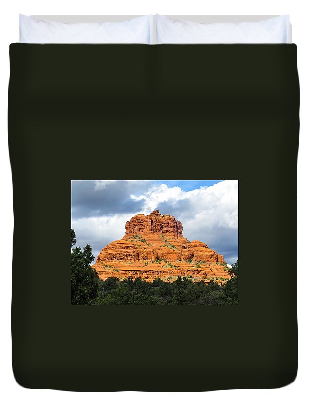 Landscape Duvet Cover featuring the photograph Sedona Spirit Rock by Suzette Vanmeter