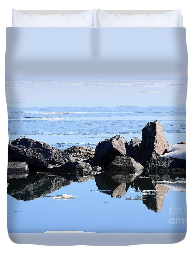 Lake Superior Duvet Cover featuring the photograph Sentinels by Rick Rauzi
