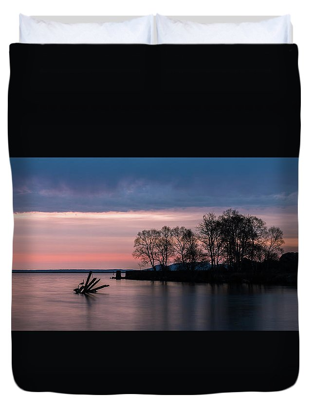 Sunrise Duvet Cover featuring the photograph Serene Sunrise by Linda Ryma