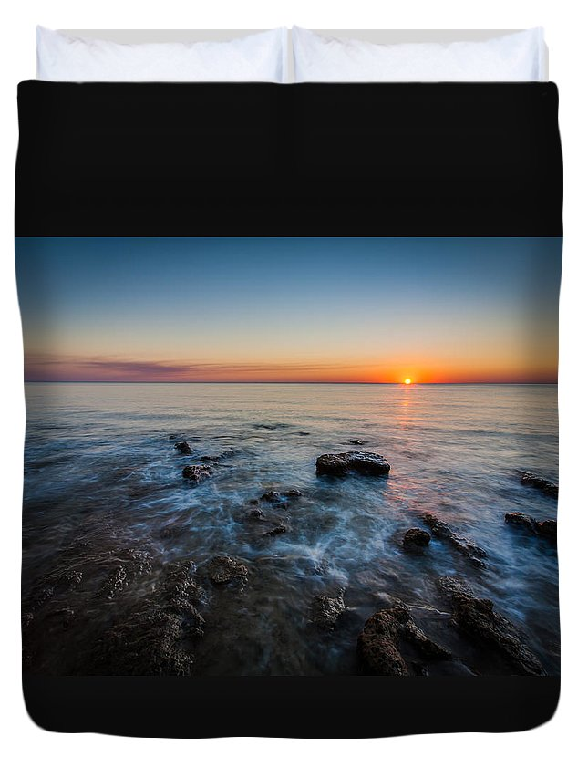 Broome Duvet Cover featuring the photograph Setting Sun by George Harris