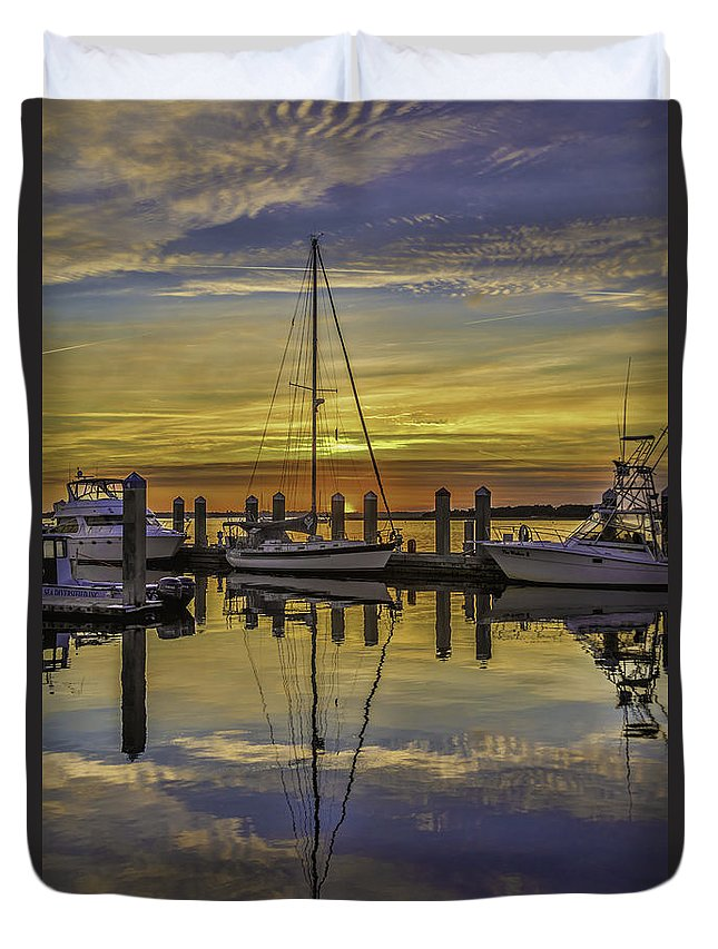 Sunset Duvet Cover featuring the photograph Setting Sun Reflections by Paula Porterfield-Izzo