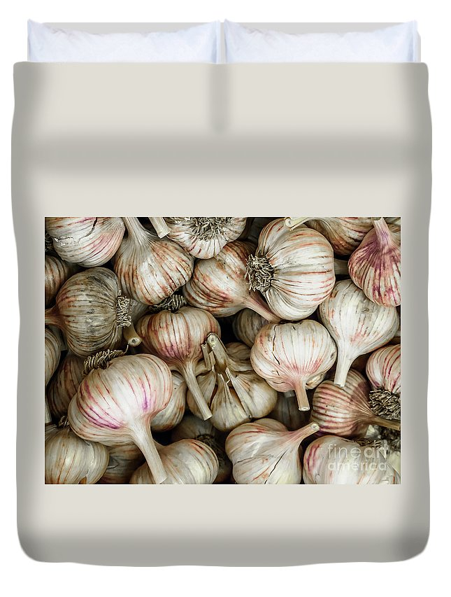 Agriculture Duvet Cover featuring the photograph Shantung Garlic by Bob Zuber