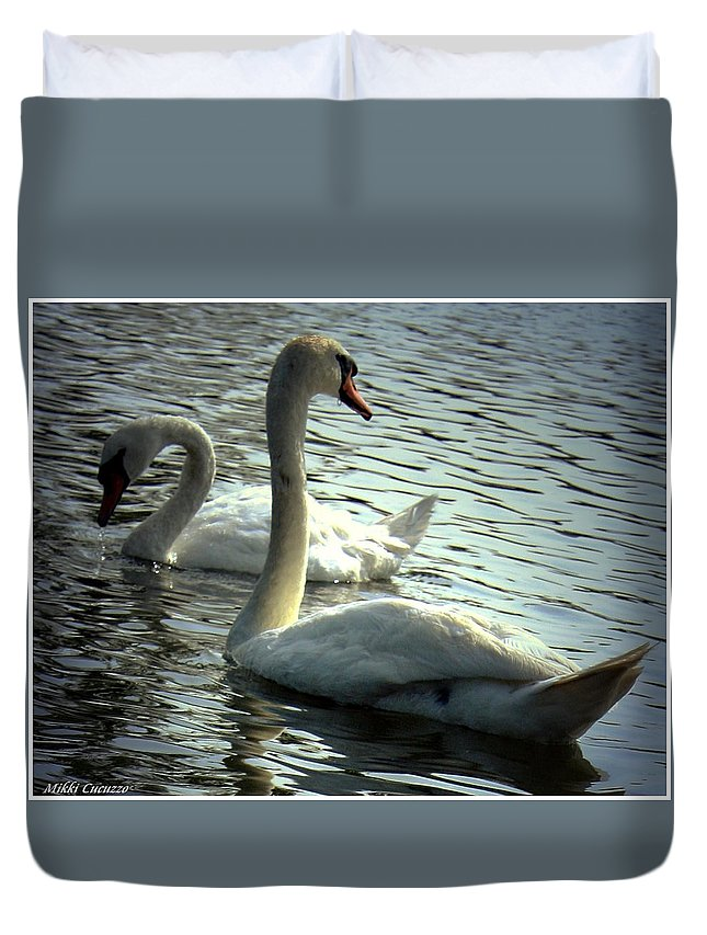 Fowl Duvet Cover featuring the photograph Sharing A Moment by Mikki Cucuzzo