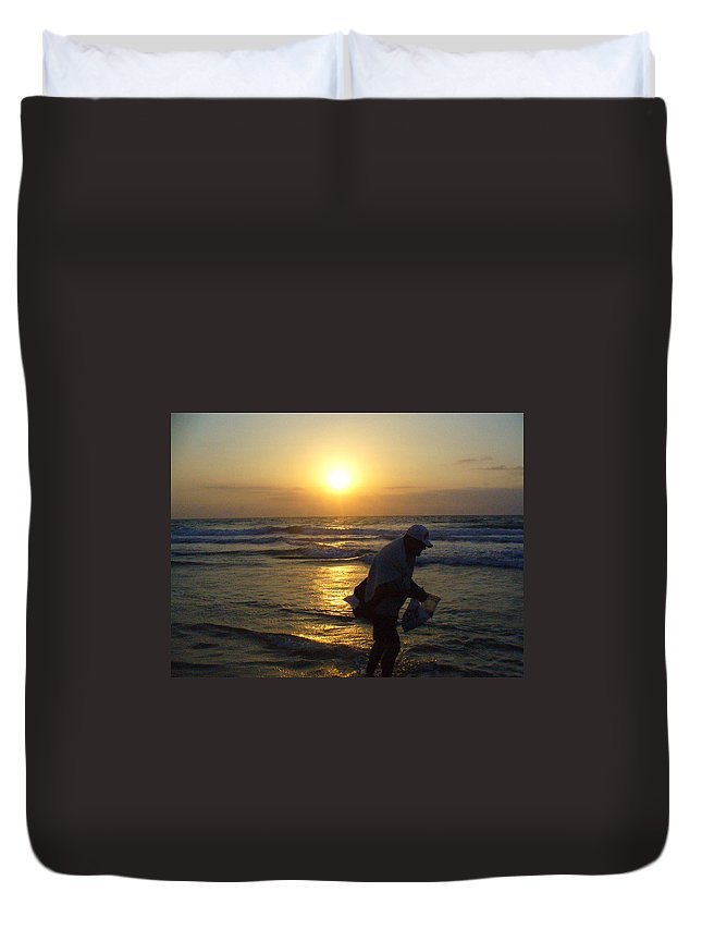 Beach Duvet Cover featuring the photograph Shell Seeker by Peggy King