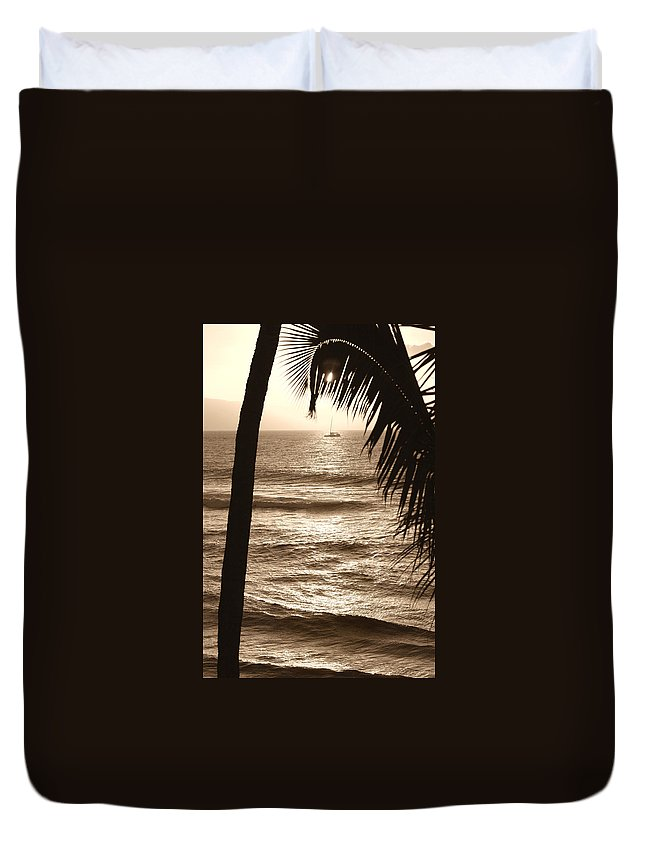 Hawaii Duvet Cover featuring the photograph Ship In Sunset by Marilyn Hunt