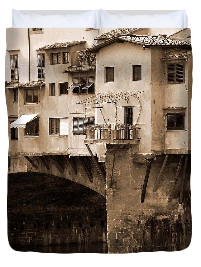 Shops Duvet Cover featuring the photograph Shops On The Ponte Vecchio by Donna Corless