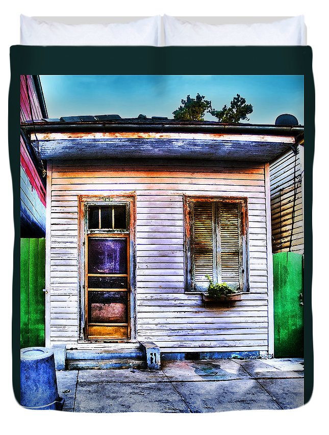 Nola Duvet Cover featuring the photograph Shotgun House Number 3 by Tammy Wetzel