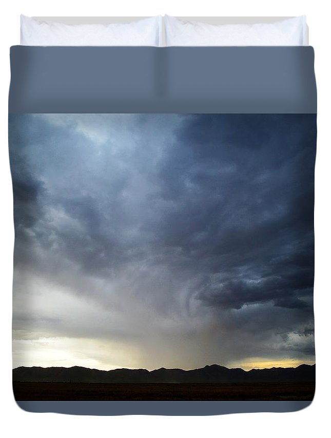 Landscape Duvet Cover featuring the photograph Shower North Of The Mountains by Brent Hall