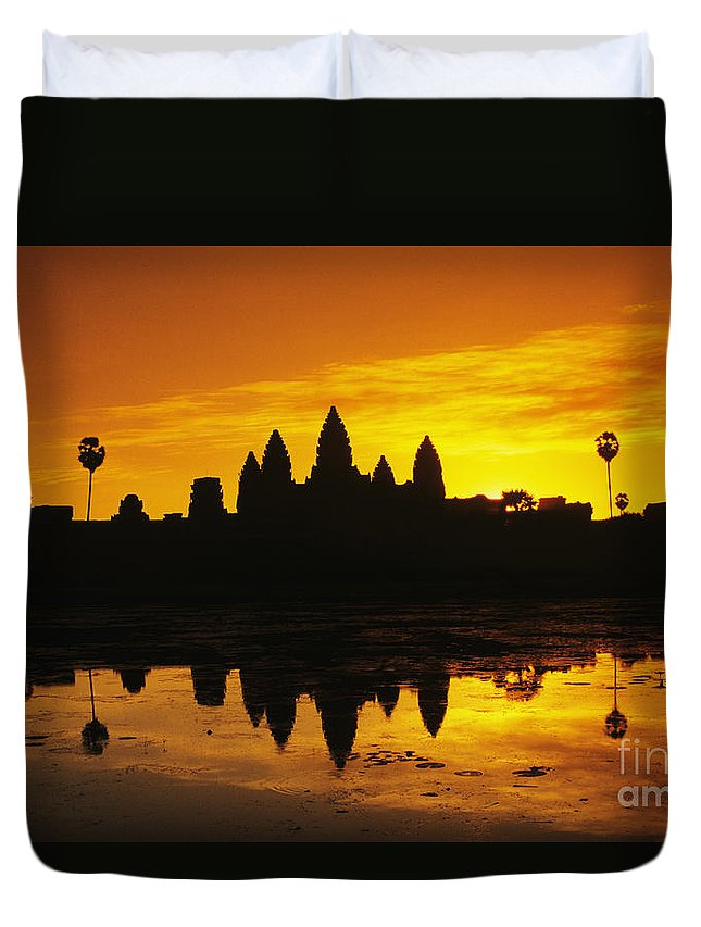 Ancient Duvet Cover featuring the photograph Siem Reap, Angkor Wat by Gloria & Richard Maschmeyer - Printscapes