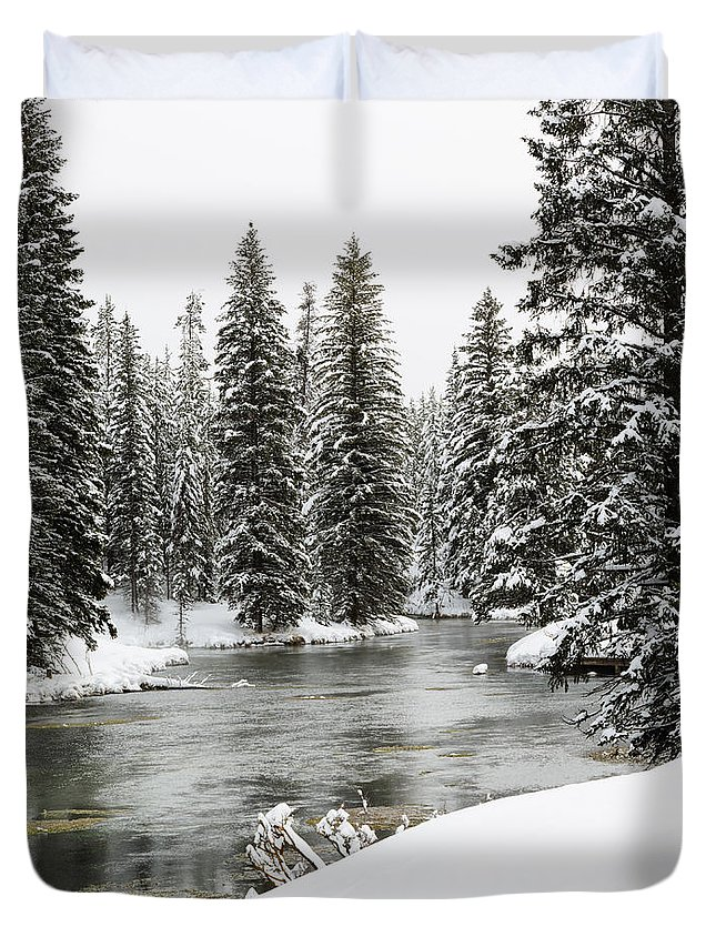Landscape Duvet Cover featuring the photograph Silent River by Colleen McIntier