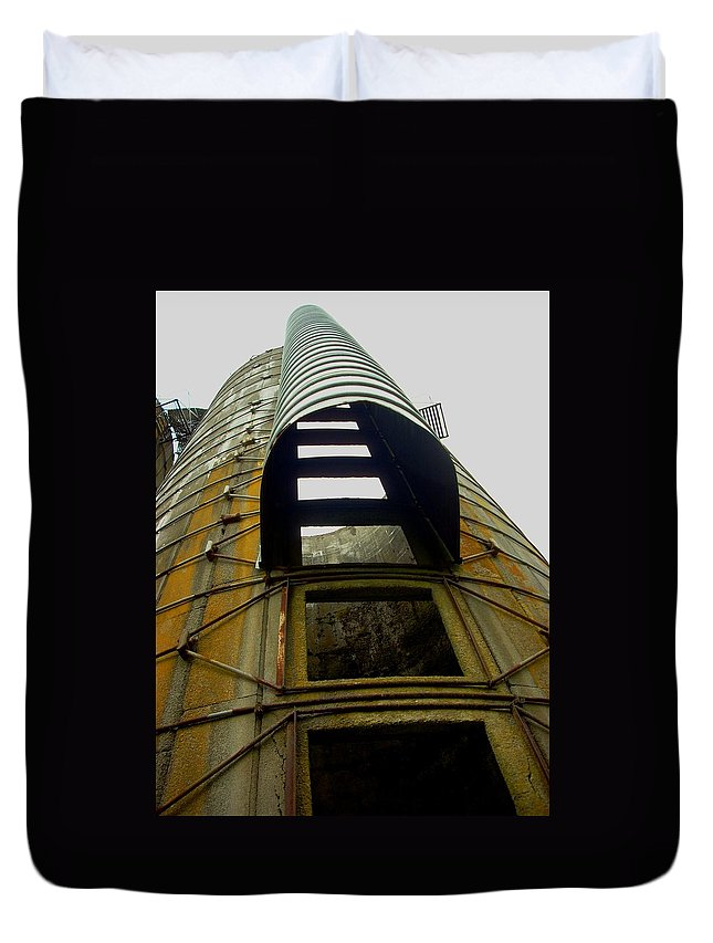 Silo Duvet Cover featuring the photograph Silo 4 by Sara Stevenson
