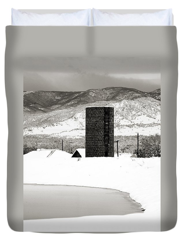 Colorado Duvet Cover featuring the photograph Silo and Silence by Marilyn Hunt