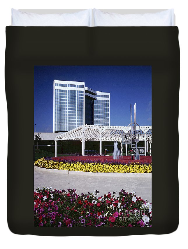 Silver Bullet Duvet Cover featuring the photograph Silver Bullet Building by Gary Gingrich Galleries
