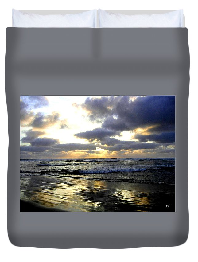 Sunset Duvet Cover featuring the photograph Silver Shores by Will Borden