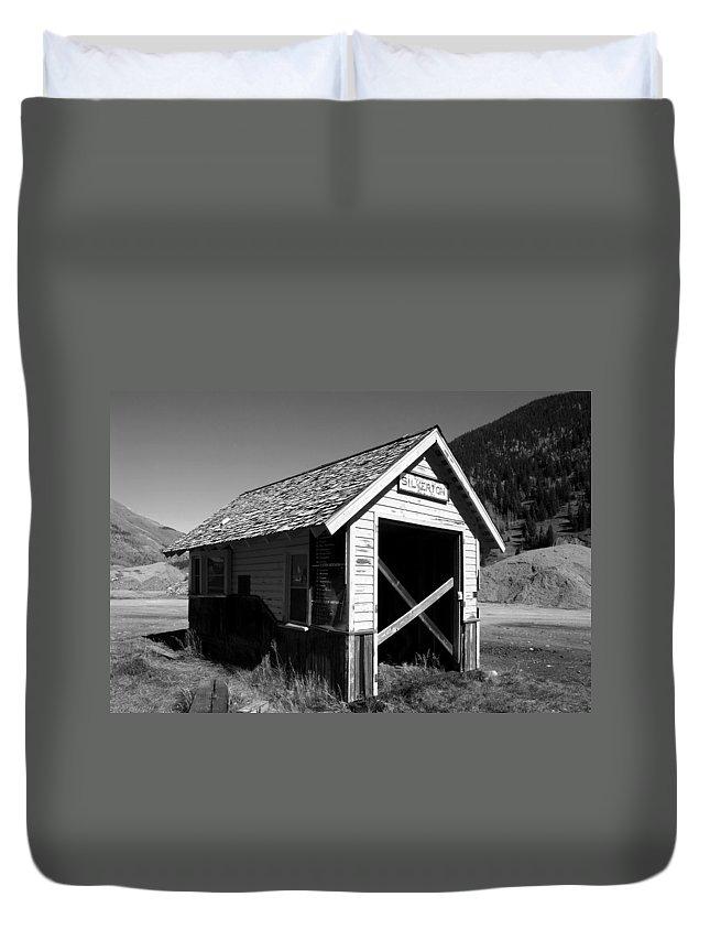 Silverton Colorado Duvet Cover featuring the photograph Silverton Depot by David Lee Thompson