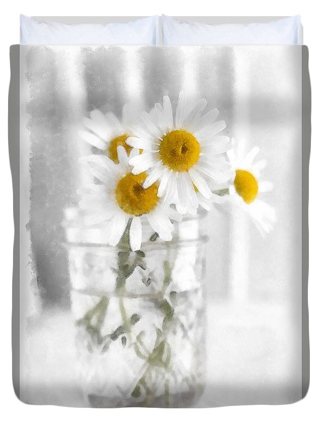Daisy Duvet Cover featuring the photograph Simple Flowers by Edward Fielding