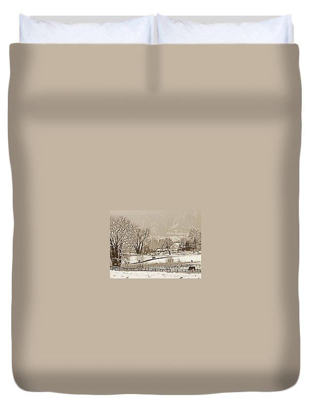 Landscape Duvet Cover featuring the photograph Simpler Times by Marilyn Hunt