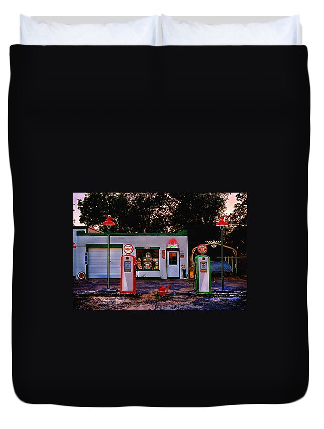 Gas Station Duvet Cover featuring the photograph Sinclair by Steve Karol
