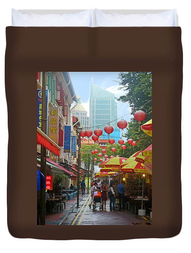 Singapore Duvet Cover featuring the photograph Singapore - Old And New by Mark Sellers
