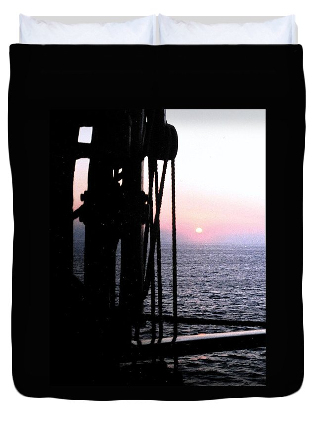Ship Duvet Cover featuring the photograph Sinking Sun by Ian MacDonald