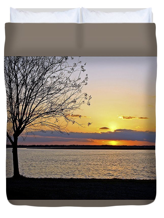 Sunset Duvet Cover featuring the photograph Sinking Sun by Phill Doherty