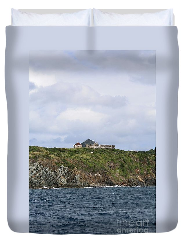 Canon Duvet Cover featuring the photograph Sitting On Top by John W Smith III