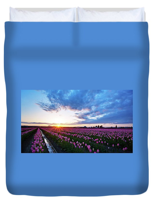 Skagit Duvet Cover featuring the photograph Skagit Floral Sunset by Mike Reid