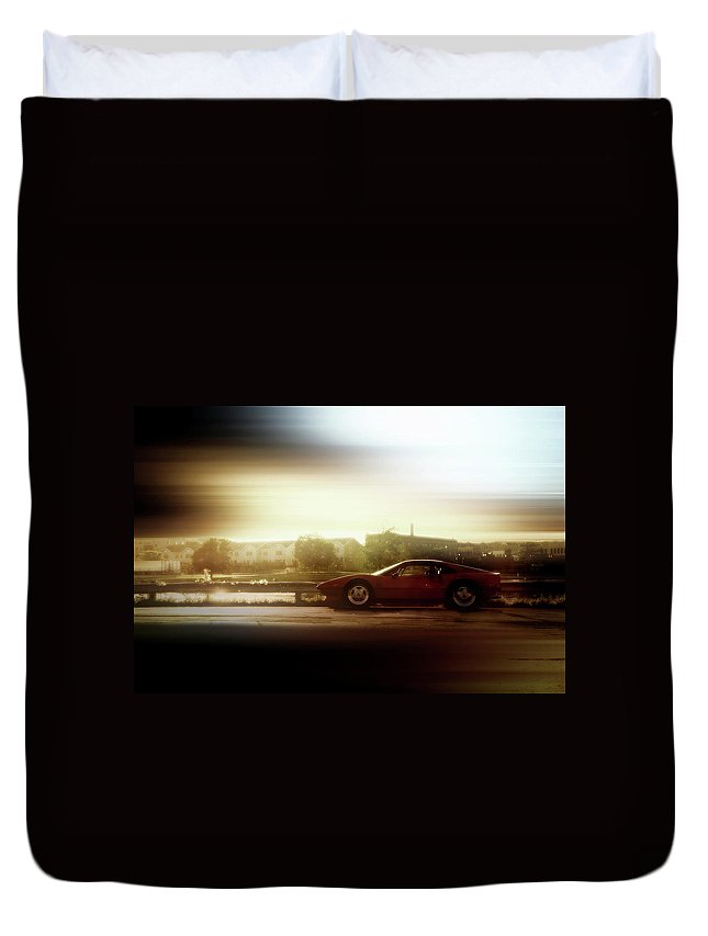 Menasha Duvet Cover featuring the photograph Skyline Speed by Joel Witmeyer