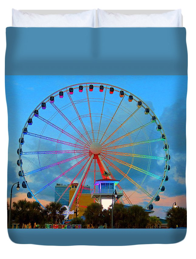 Myrtlebeach Duvet Cover featuring the photograph Skywheel by Aaron Martens