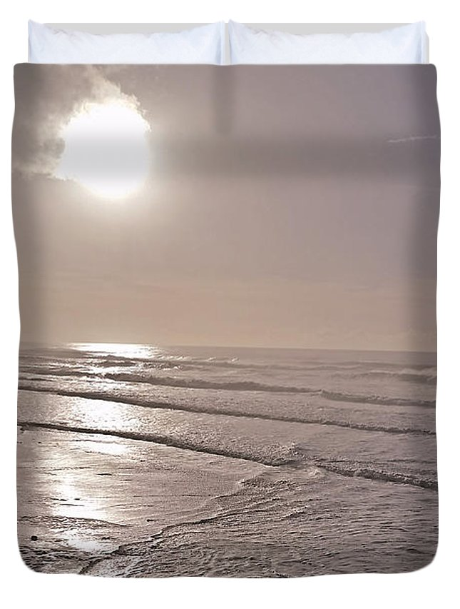 Nature Photo Duvet Cover featuring the photograph Slipping Away by Bonnie Bruno