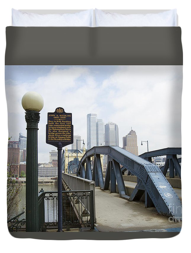Pittsburgh Duvet Cover featuring the photograph Smithfield Street Bridge by Karen Foley