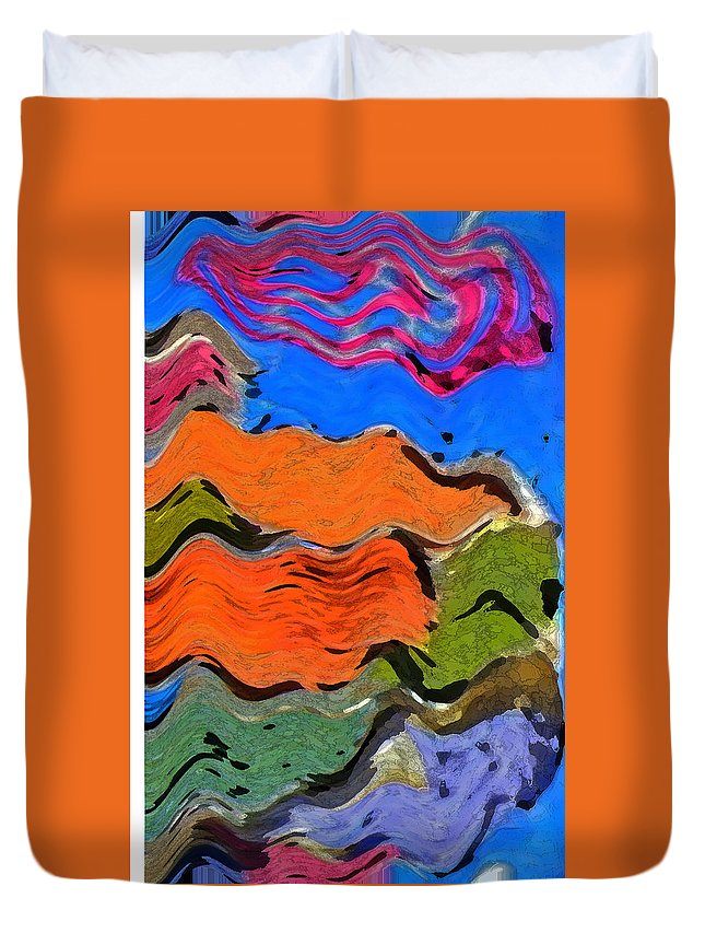 Abstract Duvet Cover featuring the digital art Smokerings by Lenore Senior