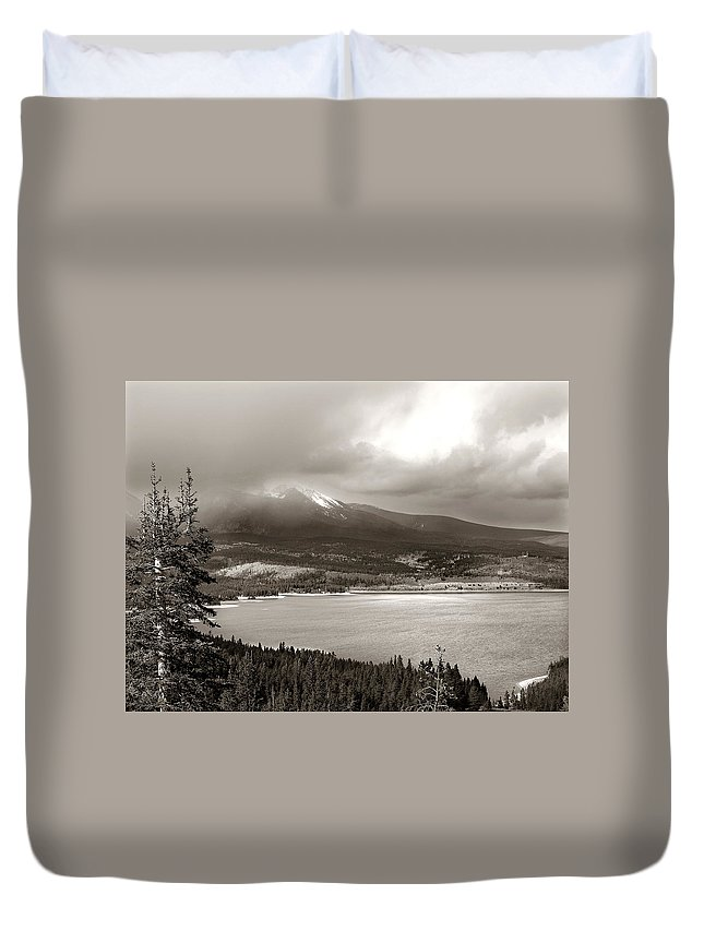 Snake Pass Duvet Cover featuring the photograph Snake Pass Colorado by Marilyn Hunt