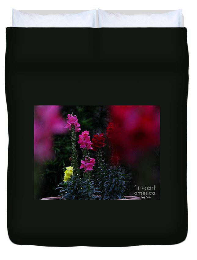 Art For The Wall...patzer Photography Duvet Cover featuring the photograph Snapdragon by Greg Patzer