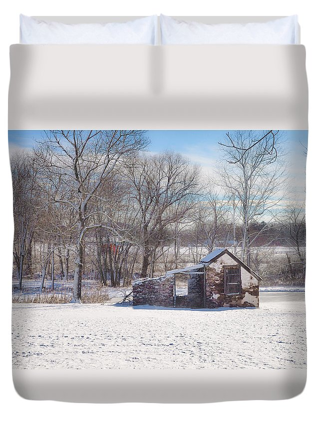 Snow Duvet Cover featuring the photograph Snow In Plymouth Meeting by Bill Cannon