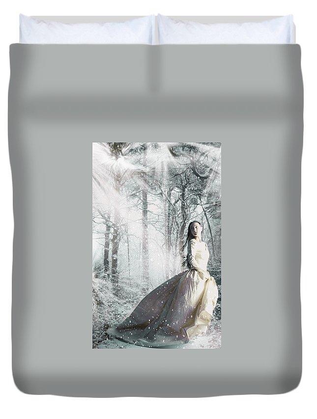 Snow Duvet Cover featuring the digital art Snowbound by Veronica Riga
