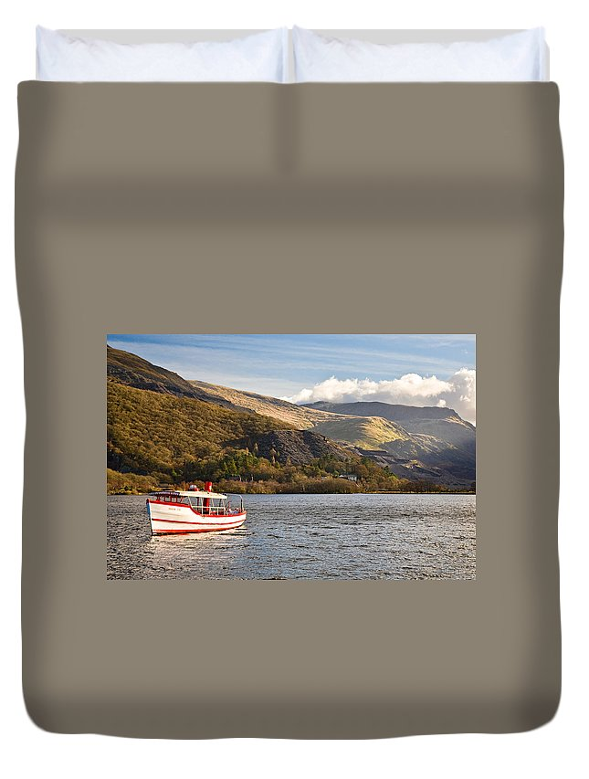 Snowdonia Duvet Cover featuring the photograph Snowdon Star by Dave Bowman