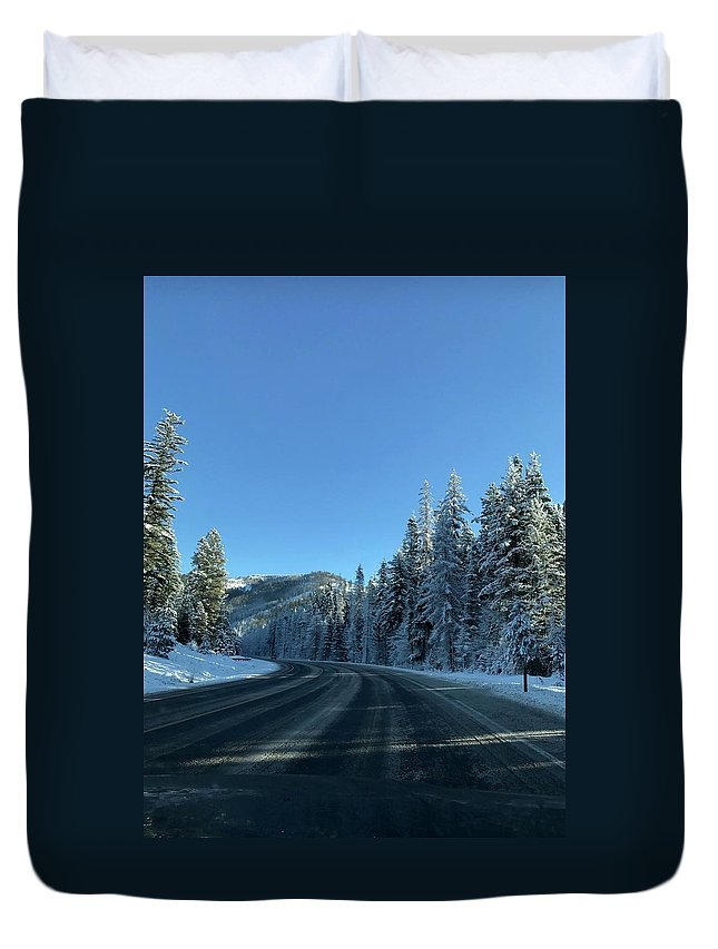 Winter Duvet Cover featuring the photograph Snowy Drive by Erik Roeser